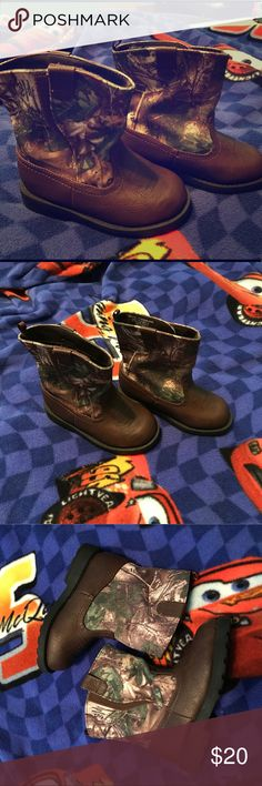 Realtree Toddler Boots Size 8 and these are brand new without box. Never worn and in perfect condition! Realtree camo, Velcro up the boots as shown. So adorable!!! 💙💚 Realtree Shoes Boots