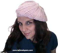 boina tejiendoperu.com Knitting Stitches, Winter Hats, Crochet Hats, Beanies, Knits, Fashion, Moon Art, Crochet Hearts, Long Scarf