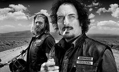 "Opie Winston y Alexander ""Tig"" Trager / Sons of Anarchy #SonsofAnarchy #RedwoodOriginal #Menofmayhem #SOA  #SAMCRO #AlexanderTrager #TigTrager #OpieWinston #KimCoates #RyanHurst"