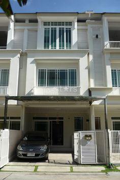 House / Villa for Sale in Bangkok, Bangkok North, Lad Phrao, New Town home 5.5M