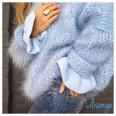 Hellblauer Strickpullover Woman Knitwear and Sweaters woman in blue sweater Cozy Sweaters, Sweaters For Women, Knitting Sweaters, Blue Sweaters, Mode Outfits, Fashion Outfits, Fashion Fashion, Fashion Ideas, Autumn Fashion