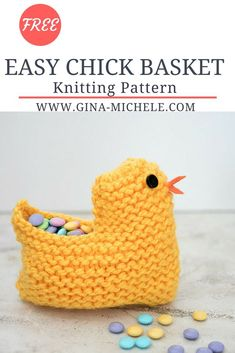 Easter Chick Basket FREE knitting pattern for this Easy Chick Basket. Knit flat & perfect for beginners!FREE knitting pattern for this Easy Chick Basket. Knit flat & perfect for beginners! Beginner Knitting Patterns, Easy Knitting Projects, Knitting For Beginners, Loom Knitting, Knitting Stitches, Free Knitting, Knitting Ideas, Cowl Patterns