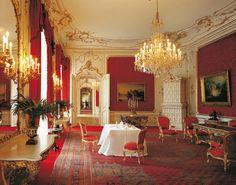 Großer Salon der Kaiserin - http://www.hofburg-wien.at/wissenswertes/kaiserappartements/rundgang-durch-die-kaiserappartements/grosser-salon-der-kaiserin.html
