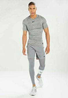 3 Fine Clever Tips: Urban Wear For Men Jeans urban fashion photography streetwear. Sport Style, Gym Style, Fitness Style, Urban Apparel, Sport Fashion, Fitness Fashion, Mens Fashion, Fashion Edgy, Fashion Ideas