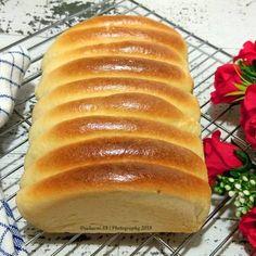Roti Sisir Donut Recipes, Bread Recipes, Cake Recipes, Snack Recipes, Dessert Recipes, Cooking Recipes, Soft Bread Recipe, Roti Recipe, Bread Toast