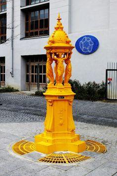 Paris 13 - esplanade pierre Vidal naquet - Wallace fontain