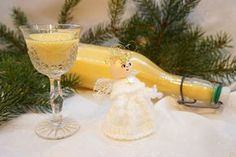 Vajecny liker Alcoholic Drinks, Cocktails, Hurricane Glass, White Wine, Spoon, Food And Drink, Tableware, Advent, Christmas