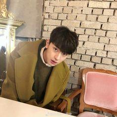 O Drama, Happy Pills, China, Tumblr Boys, Ballroom Dance, Ulzzang Boy, Pretty Wallpapers, Asian Actors, Aesthetic Iphone Wallpaper