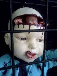The Morbid Dollhouse Creepy Art Creepy Carnival, Halloween Doll, Creepy Halloween, Halloween Projects, Holidays Halloween, Happy Halloween, Halloween Decorations, Halloween Ideas, Halloween