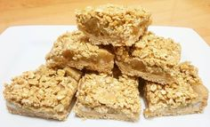Try This Healthy Apple Crumble Slice For Afternoon Tea Healthy Mummy Recipes, Healthy Treats, Whole Food Recipes, Snack Recipes, Healthy Dinners, Healthy Desserts, Healthy Foods, Healthy Eating, Healthy Apple Crumble