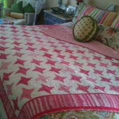 Pink friendship star quilt ~ oh the possibilities!