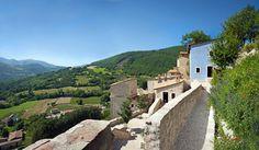 Castello di Postignano, Sellano (Pg), Umbria