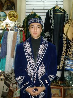 Kazakh national men's fashion Folk Clothing, Amazing Cosplay, Central Asia, Kazakhstan, Mongolia, People Around The World, Cosplay Costumes, Silk Road, Culture