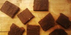 Pure Chocolade en Zoete Aardappel Brownies. Vegan, glutenvrij, notenvrij en suikervrij.