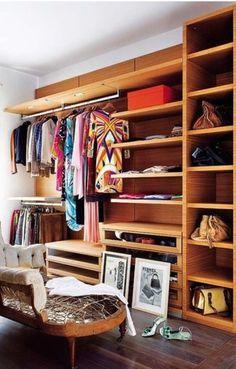 Open closet Closet Desk, Dressing Room Closet, Dressing Area, Dressing Rooms, Walk In Closet Design, Closet Designs, Interior Exterior, Interior Design, Madrid