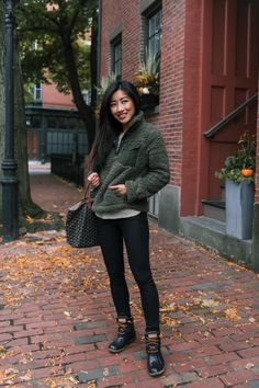outfit idea with Sperry Saltwater Duck Boots. Fall outfit idea with Sperry Saltwater Duck Boots. outfit idea with Sperry Saltwater Duck Boots. Fall outfit idea with Sperry Saltwater Duck Boots. Duck Boots Outfit, Winter Boots Outfits, Cold Weather Outfits, Casual Fall Outfits, Sperrys Outfit, Cold Weather Clothing, Outfits With Boots, Winter Duck Boots, Cold Weather Boots