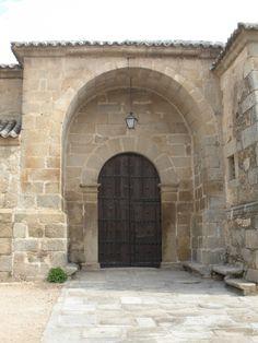 Pórtico meridional de la Iglesia de la Concepción (Hinojosa de San Vicente) Siglo XVI