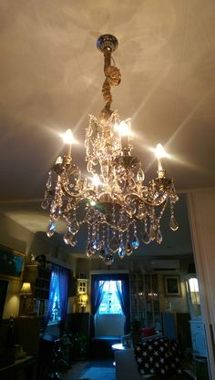 Vår lyskrone Chandelier, Ceiling Lights, Lighting, Home Decor, Candelabra, Decoration Home, Room Decor, Chandeliers, Lights