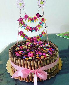 Resultado de imagen para banderines para tortas Party Time, Birthday Cake, Desserts, Food, Cakes, Birthday Cakes, Cake Party, Tortilla Pie, Pastries