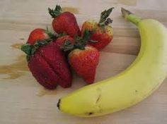 Did you know that a strawberry is rich on vitamin C which boost up our immune system and a banana could provide you energy? Hey there is more health benefits that these two fruits have, have you ever tried to mixed these two fruits yet in formed of juice? I also wondering how it taste like.