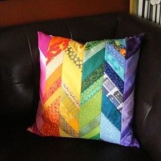 Scrappy_Rainbow_Chevron_Pillow_quilt