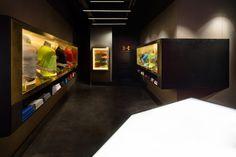 Shanghai, Visual Merchandising, Under Armour Store, Branding, Design Museum, Exhibit Design, Visual Display, Environmental Design, Retail Space