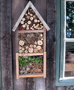 This is our bank holiday project :) Bug Hotel, Bugs, Mason Bees, Sensory Garden, Garden Animals, Hotels, Landscaping Plants, Aquaponics, Horticulture