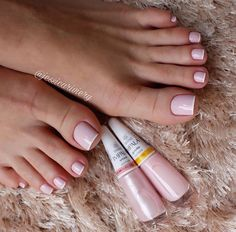 Pretty Toe Nails, Cute Toe Nails, Stylish Nails, Trendy Nails, Acrylic Toe Nails, Toe Nail Color, Bride Nails, Feet Nails, Minimalist Nails