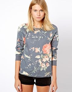 a must for fall: floral print sweatshirt