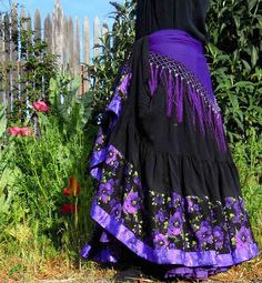 Sewing Skirts Flying Skirts Belly Dance Gear - beautiful and quality dance wear! Gypsy Style, Bohemian Style, Boho Chic, Tribal Style, Shabby Chic, Tribal Fashion, Boho Fashion, Gothic Fashion, Boho Outfits