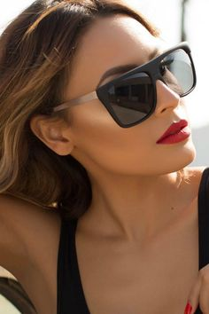 Quay Australia - X Desi Perkins Black On The Low Designer Sunglasses