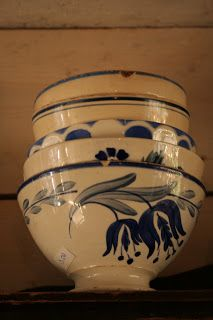 Blue and white bowls I want those bowls!