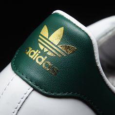 Zapatillas Adidas Superstar 80s blanca verde con brillo para mujer. Adidas Originals BB2230.  https://www.zake.es/zapatillas-moda/zapatillas-superstar-blanca-verde-adidas-original-10436.html