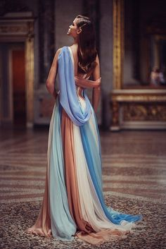 Atelier Versace amazes in spring 2019 - Atelier Versace amazes in spring . - Atelier Versace amazes in spring 2019 – Atelier Versace amazes in spring 2019 – - Atelier Versace, Gianni Versace, Style Haute Couture, Couture Fashion, Net Fashion, Latex Fashion, Fashion Boutique, High Fashion, Elegant Dresses