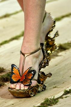 Butterfly shoes to go with those lovely butterfly dresses I will never be able to afford! Dear Pinterest, please make my pinterest closet be my real life closet.