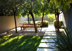 Seaver and Speck's backyard, landscape architect Tessier had the idea to add six African sumac trees to shade an elegant outdoor dining room. He left enough space for a vegetable garden and a bit of lawn for the clients' young daughter. Modern Landscaping, Backyard Landscaping, Backyard Patio, Landscaping Ideas, Small Gardens, Outdoor Gardens, Garden Spaces, Dream Garden, Garden Inspiration