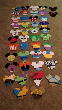 Prayed In The Garden Crafts Ideas Resident Assistant Door Decs Ra Ideas Name Tags Scrapbook Paper Deco Disney, Disney Theme, Disney Fun, Disney Cars, Disney Diy Crafts, Diy And Crafts, Disney Art Diy, Easy Crafts, Felt Crafts