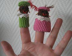 Zwarte Piet!! Cute Crochet, Crochet Hats, Finger Puppets, Crochet Earrings, Diy, Crafts, Amigurumi, Knitting Hats, Manualidades