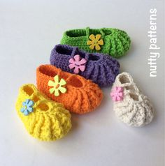 Crochet Pattern * Lisa Shoes* Instant Download Pattern # 461 * girls * Premie to 3 yrs * easy * Picture Prop * birthdays *PDF