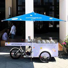 Frankfurt goes paul&ernst: Antipodean Gelato with their new Pozzetti Bike 😍 -- Wir wünschen viel Freude mit dem Ice-Cream-Bike! 😉 -- #picoftheday #streetstyle #urbanstyle #paulandernst #style Mobile Food Cart, Frankfurt, Gelato, Urban Fashion, Street Food, Beverages, Ice Cream, Bike, Business