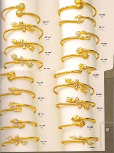 Gold Bangles Design, Gold Jewellery Design, Gold Jewelry, Jewelery, Jewelry Design Earrings, Bracelet Designs, Punjabi Bride, Bracelets, Highlighters