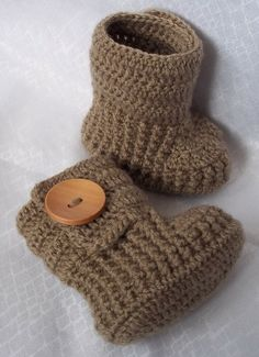 Items similar to Baby booties crochet with natural large wooden buttons for NB or choose your color and size on Etsy Knitting Projects, Crochet Projects, Knitting Patterns, Crochet Baby Booties, Crochet Slippers, Knitted Baby, Crochet Crafts, Knit Crochet, Kid Outfits