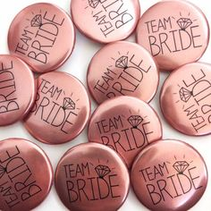 Rose Gold Hen Party Badges / Rose Gold Hen Do Badges / Rose Gold Team Bride Badges / Bachelorette Hen Party Badges, Hen Party Favours, Hen Party Accessories, Wedding Accessories, Blue Wedding Favors, Wedding Badges, Gold Bridal Showers, Bridal Shower Decorations, Hen Party Decorations