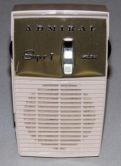 "Admiral ""Super 7"" 7-Transistor AM Radio, Model Y2067, Made in the USA, Circa 1960."