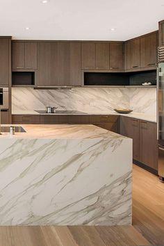 Contemporary Kitchen Interior, Modern Kitchen Interiors, Luxury Kitchen Design, Kitchen Room Design, Luxury Kitchens, Home Decor Kitchen, Interior Design Kitchen, Modern Contemporary, Contemporary Kitchen Island