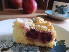 Apple&Blackberry Crumble Cake りんごとブラックベリーのクランブルケーキ 250yen