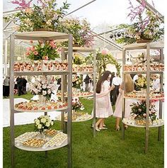 Never would have thought of this. outdoor buffet stands holding pre-made cocktails and appetizer bites. Perhaps to use as the cocktail reception while awaiting the dining set-up. Perfect for large party or wedding reception! Wedding Food Bars, Wedding Food Stations, Wedding Reception Food, Wedding Ceremony, Buffet Wedding, Unique Wedding Food, Wedding Food Displays, Wedding Favors, Rustic Wedding