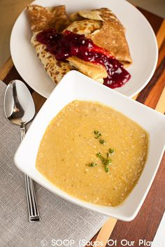 SPLIT PEAS: split pea stew with pannkakor