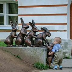 aww...the little guy is trying to help....