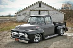 1956 Ford F100 1956 Ford Truck, 1956 Ford F100, Vintage Pickup Trucks, Old Ford Trucks, F150 Truck, Classic Ford Trucks, Lowered Trucks, Ford Gt, Ford Motor Company